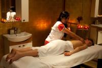 Topless Body to Body Spa Service Centre in Delhi & Gurgaon